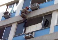 Pats neticamākais kaķu glābšanas veids, skatoties pat sirds sažņaudzas VIDEO