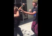 Tīnis skolā uzbrūk aklam puisim.. un pēc brīža saņem, ko pelnījis! VIDEO