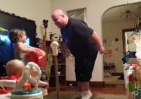 Sieva nolika novērošanas kameru istabā, tas ko viņa nofilmēja ir nenormāli smieklīgi VIDEO