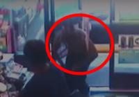 Sieviete ar benzīnu aplej un aizdedzina savu vīru! Iemesls patiesi ŠOKĒ! VIDEO