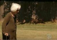 Pensionāre devās sakopt vīra kapu, taču notika kas neticams! FOTO