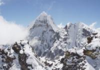 Dronu aizsūtīja uz augstāko Himalaju virsotni. Materiāls ko tas nofilmēja liks Tavam žoklim atkārties VIDEO