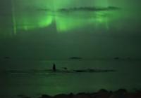 Filmējot ziemeļblāzmu viņiem izdevās iemūžināt kaut ko pavisam citu – neticams pārsteigums VIDEO