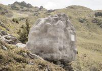 Neuzminēsiet, ko slēpj šis akmens! FOTO