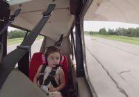 Drosmīgā četrgadniece smejas briesmām acīs! VIDEO