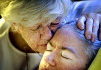 Aizkustinošs stāsts: Mamma 42 gadus pildīja doto solījumu FOTO