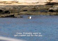 Filmēšanas grupa devās uzņemt jaunu raidījumu, bet tā vietā no neapdzīvotas salas izglāba vīrieti! FOTO/ VIDEO