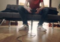 Aizkustinošs video par puiku un viņa Xbox spēļu konsoli VIDEO