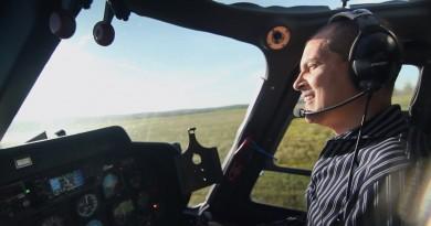 Amerikāņu pilots izrāva dēlam zobu ar helikoptera palīdzību VIDEO