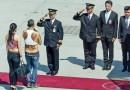 63 gadus vecais Taizemes princis visus pārsteidz Minhenes lidostā ierodoties dīvainā apģērbā! FOTO