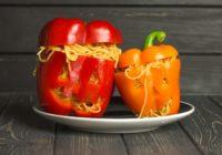 Spagetti ar paprikas mērci Helovīnu stilā