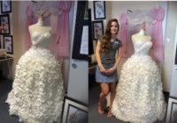 Kā jūs domājat, no kā izgatavota šī kāzu kleita? FOTO