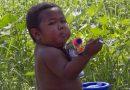 Atcerieties 2 gadus veco indonēziešu zēnu, kurš izsmēķēja 40 cigaretes dienā? Lūk, kā viņš izskatās tagad! FOTO