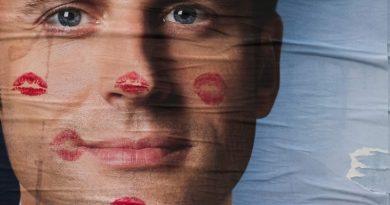 Lūk, kāpēc Emanuels Makrons ir jaunais politikas pasaules seksa simbols! FOTO
