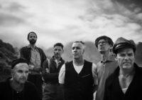 """VIDEO: """"Ramsstein"""" pēc 15 gadu pārtraukuma jauns ieraksts; grupa pošas uz Lucavsalu"""