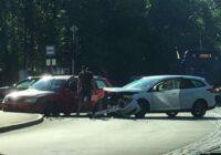 FOTO, VIDEO: Pirmdien daudz negadījumu, arī otrdienas rīts sākas ar sadursmēm