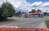 VIDEO: Jēkabpils avārijā policija nesteidz vainot nedz motociklistu, nedz gājēju
