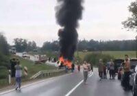 VIDEO: Traģiska avārija uz Liepājas šosejas; satiksme slēgta