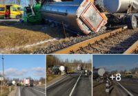 FOTO, VIDEO: Pienvedējs pie Kalvenes saduras ar pasažieru vilcienu; ir cietušais