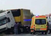 Traģēdija Nīcas novadā: policija aicina atsaukties auto avārijas aculieciniekus