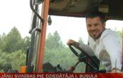 VIDEO: Kā Intars Busulis ciemos atbraukušo Andreju Volmāru sagaidīja