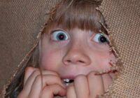 Kā panākt, lai bērna bailes būtu nevis šausminoši monstri, bet noderīgi sabiedrotie?