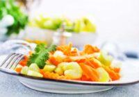Burkānu un seleriju salāti ar rozīnēm. + Vēl piecas svaigu salātiņu idejas!