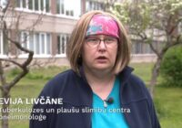 Ārste Evija Livčāne atgriežas darbā pēc ārkārtīgi smagas Covid-19 izslimošanas
