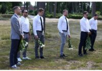 FOTO: Latvija atvadās no traģiski bojā gājušā hokejista Matīsa Kivlenieka